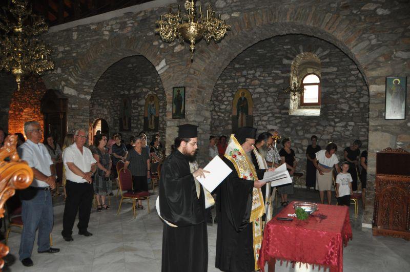 Ἁγιασμός - Θυρανοίξια καί Παράκληση στήν Παναγία Πετρούσας